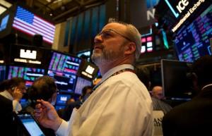 美股行情走势 标普500结束七连涨,纳指创纪录新高