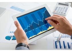 股票年线怎么看_成交量下降但股价仍然上涨的原因是什么???